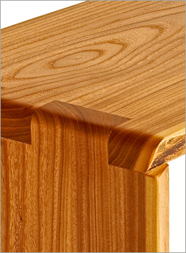 Good Siberian Elm Wood Bench Table Grain And Joint Detail ...